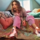 Millie Bobby Brown Converse: Be You, la nuova capsule collection di sneakers