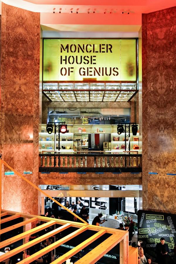 Moncler House of Genius Parigi