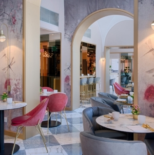 NH Collection Roma Fori Imperiali: il boutique hotel con i colorati arredi di Calligaris