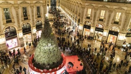 Albero di Natale Swarovski Milano 2019: Malika Ayane e lo spettacolo di luci