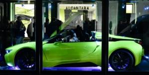 BMW i8 Roadster LimeLight Edition Alcantara: design futuristico e personalizzazione estrema