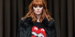 Aniye By autunno inverno 2020: la femme fatale anni '80, la sfilata