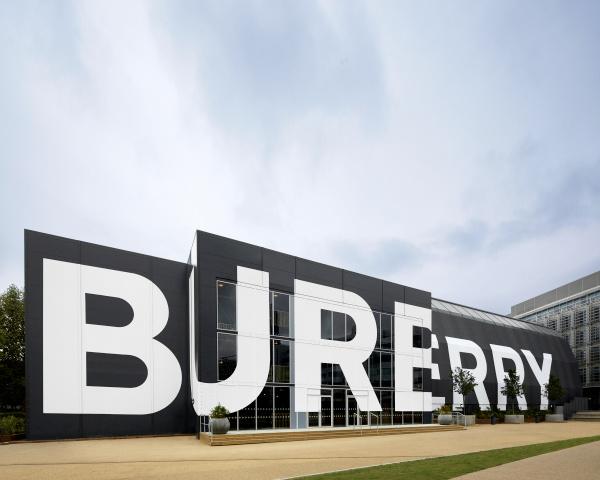 Burberry Shanghai autunno inverno 2020
