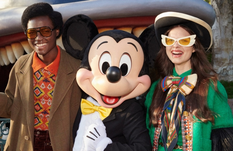 Capodanno Cinese 2020 Gucci: la campagna con Topolino a Disneyland e la collezione