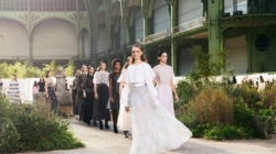 Chanel Haute Couture primavera estate 2020: la sfilata con Pharrell Williams ed Eva Green