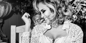 Guess Jennifer Lopez campagna 2020: J. Lo è il volto della primavera di Marciano e Guess