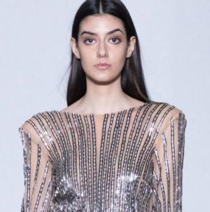 Simona Corsellini autunno inverno 2020: femminilità e seduzione, la sfilata