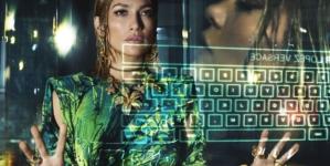 Versace Jennifer Lopez campagna 2020: l'esaltazione della vanità