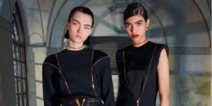 Versace Pre Fall 2020: texture eleganti e tocchi originali