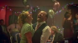 After Life stagione 2: le prime immagini della serie comedy-drama di Netflix
