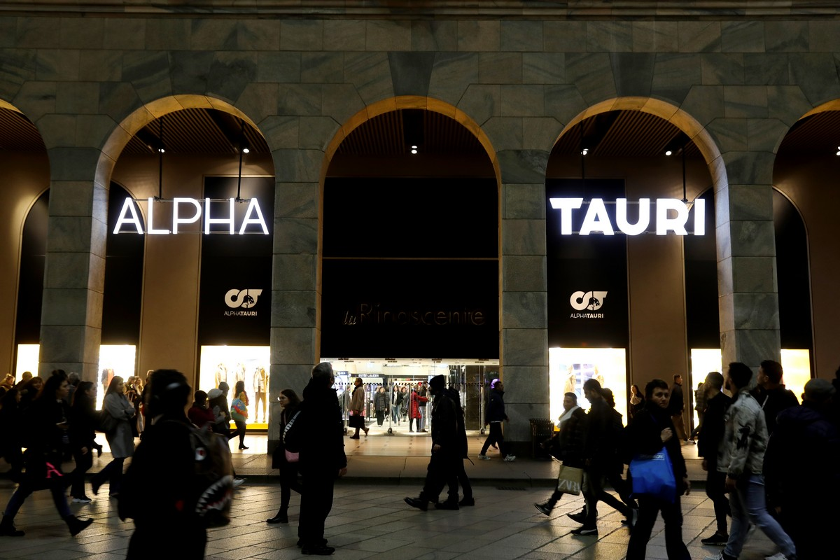 AlphaTauri La Rinascente Milano