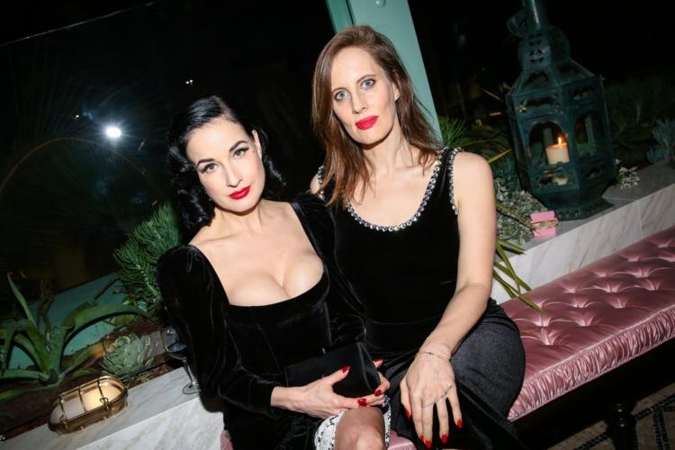 Gucci Osteria Massimo Bottura Beverly Hills: il party con Dita Von Teese, Salma Hayek Pinault, Anjelica Huston e Dakota Johnson