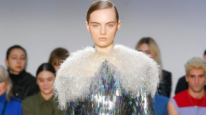 JW Anderson donna autunno inverno 2020: volumi in movimento, tutti i look