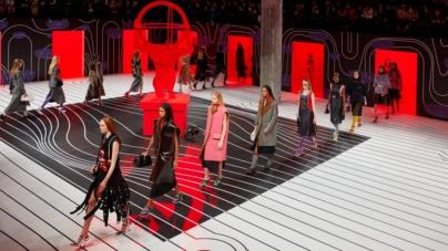 Prada Donna autunno inverno 2020: surreal glamour, la sfilata a Milano