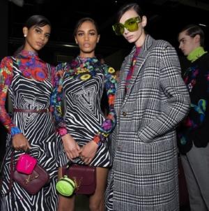 Versace autunno inverno 2020: la nuova sensualità sussurrata