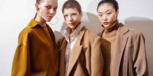 Calcaterra autunno inverno 2020: la femminilità essenziale, tutti i look