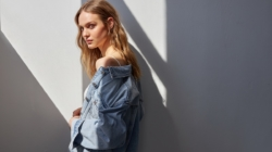 Jeans Stradivarius primavera estate 2020: la nuova denim couture