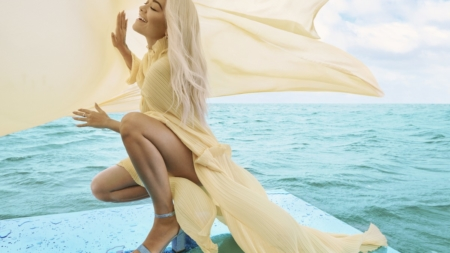 Rita Ora Deichmann primavera estate 2020: la collezione Colour Up