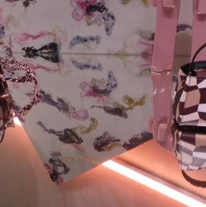 Valextra borse Extra Milano: le mini collezioni glam con i brand milanesi