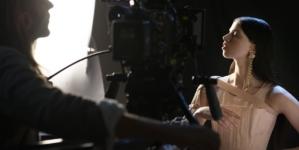 Jean Paul Gaultier Swarovski: il video con Lily McMenamy per il compleanno dello stilista
