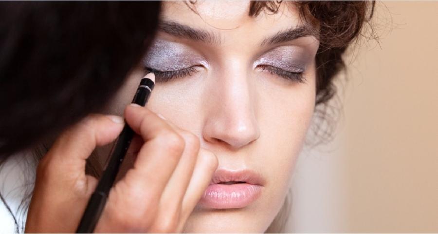 Armani Beauty make up occhi 2020: smoky, eccentrico e chic