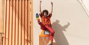 """Converse collezione Pride 2020: la campagna ispirata alla bandiera """"More Color, More Pride"""""""