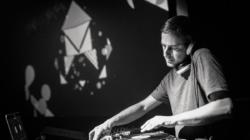 DJ Stile Burioni canta Fabri Fibra: il sound incontra il cut'n'paste estremo, l'intervista esclusiva