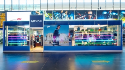 Gas Jeans stazione Roma Termini: il nuovo pop-up store dinamico e coinvolgente