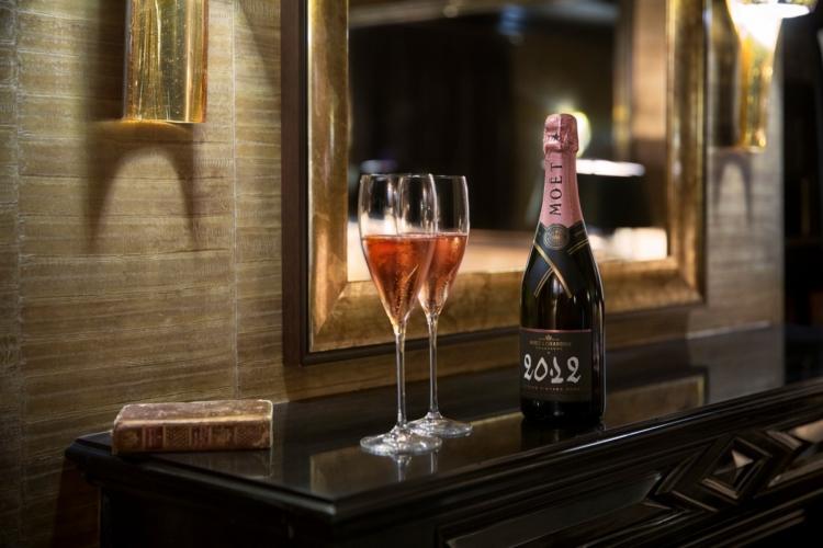 Moët & Chandon Rosé: lo champagne ideale per abbinamenti unici, anche a casa
