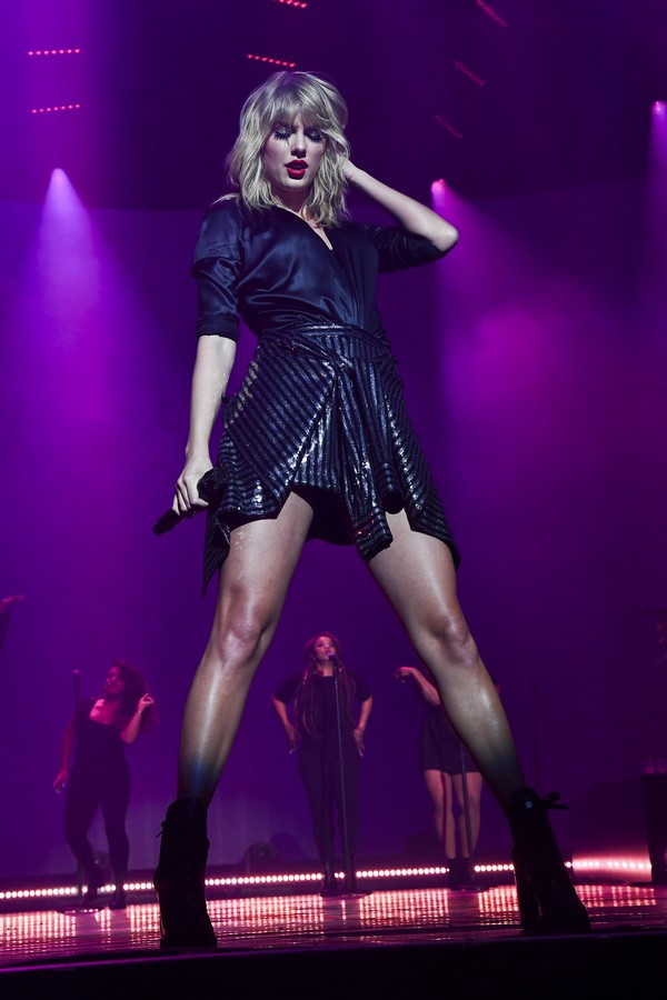 Taylor Swift City of Lover Concert