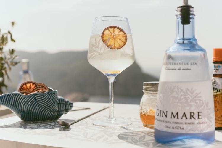"""Aperitivo a casa Gin Mare kit: il gourmet delivery """"Prospettive Mediterranee"""""""