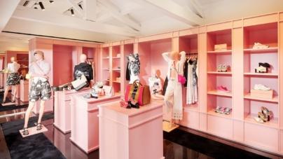 Chanel Saint Tropez boutique: tocchi di rosa per lo store estivo