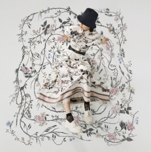 Dior Rosa Mutabilis capsule collection: look romantici e femminili per l'estate 2020