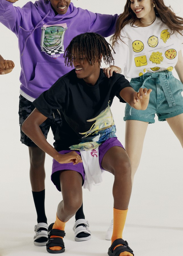 Pull&Bear Smiley capsule collection