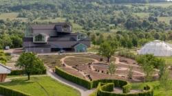 """Vitra Campus giardino Piet Oudolf: il nuovo """"teatro floreale"""""""