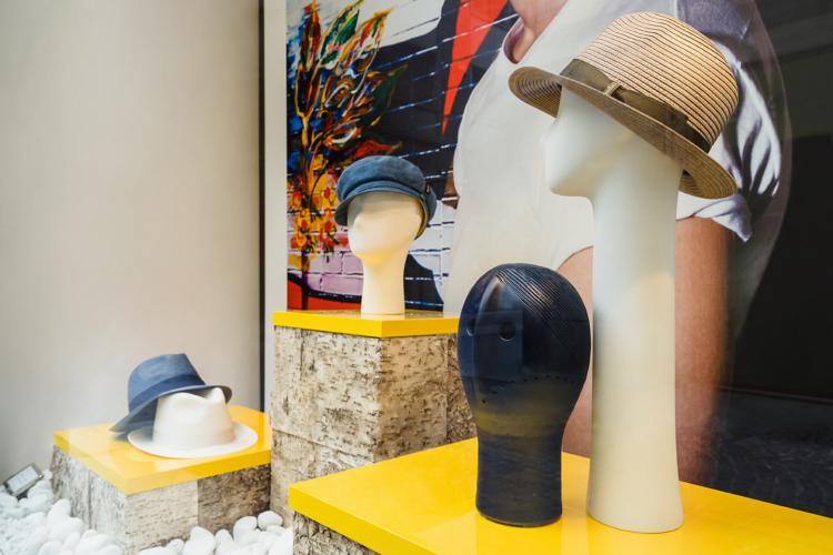 Borsalino boutique vetrine estate 2020