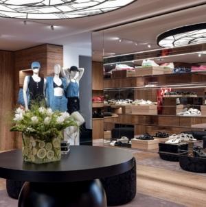 Chanel boutique Capri estate 2020: riapre il seasonal store della Maison nel cuore dell'Isola