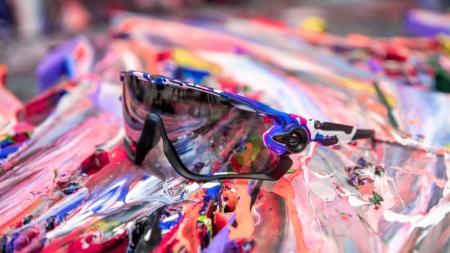 Oakley occhiali Kokoro Collection: la linea disegnata da Meguru Yamaguchi che celebra l'amore per lo sport