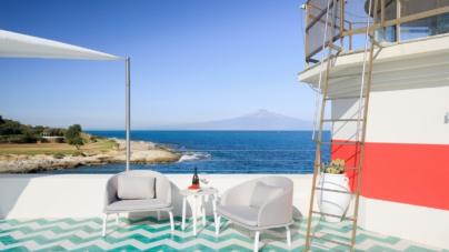 Faro di Brucoli Talenti Outdoor: la collezione Cleo Alu per la luxury lighthouse siciliana