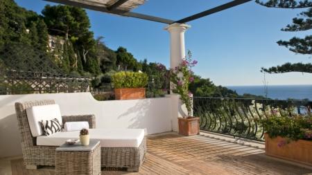 Hotel La Minerva Capri: ospitalità mediterranea in una piccola oasi giardino