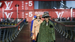 Louis Vuitton Uomo sfilata primavera estate 2021: il fashion show a Shanghai