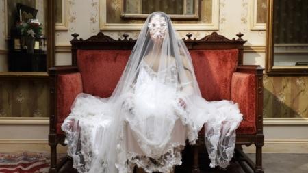 7 Deaths of Maria Callas Marina Abramovic: Burberry crea i costumi dell'opera