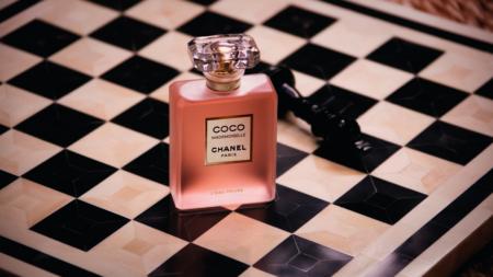 Coco Mademoiselle L'Eau Privee: la nuova fragranza e la campagna con Keira Knightley