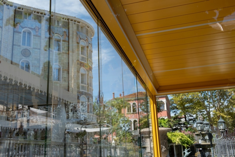 Lacci Venezia 2020 Corradi Cinema Lounge