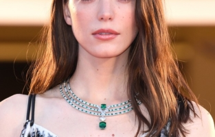 """VENICE, ITALY - SEPTEMBER 03: Stacy Martin walks the red carpet ahead of the movie """"Amants"""" at the 77th Venice Film Festival at  on September 03, 2020 in Venice, Italy. (Photo by Daniele Venturelli/WireImage,)"""