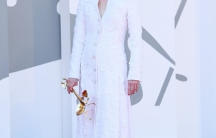 """VENICE, ITALY - SEPTEMBER 03: Tilda Swinton walks the red carpet ahead of the movie """"The Human Voice"""" and """"Quo Vadis, Aida?"""" at the 77th Venice Film Festival at  on September 03, 2020 in Venice, Italy. (Photo by Daniele Venturelli/WireImage,)"""