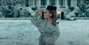 Ariana Grande Positions: la cantante indossa Pinko nel videoclip di Dave Mayers