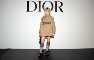 PARIS, FRANCE - SEPTEMBER 29: Maisie Williams attends the Dior Womenswear Spring/Summer 2021 show as part of Paris Fashion Week on September 29, 2020 in Paris, France. (Photo by Anthony Ghnassia/Getty Images for Dior)