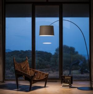 Foscarini lampada da terra Twiggy Wood: la fibra di carbonio incontra il legno