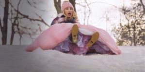Fata Madrina Cercasi: la nuova incantata commedia di Natale su Disney+